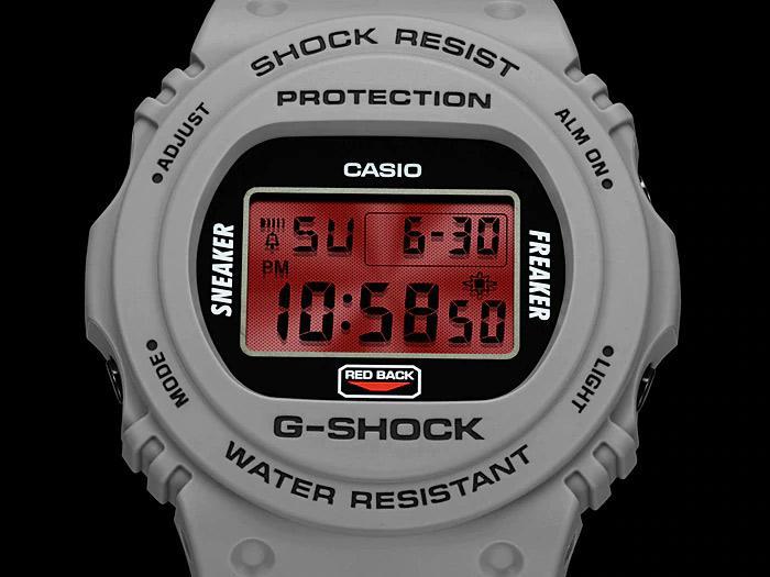 Casio DW-5700SF-1ER